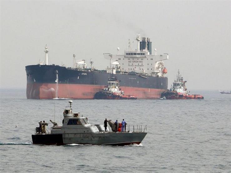 اخلاء الناقلتين الأولى من جزر مارشال والثانية من بنما في عمان
