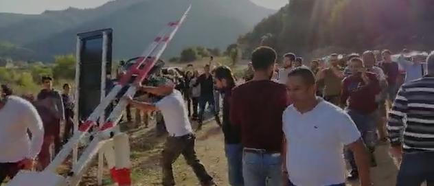 (بالفيديو) طريق مار موسى عادت سالكة بفضل الثوار... مرج بسري