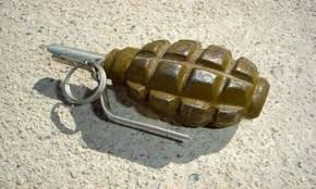 قنابل على طريق سنيا والجيش يفجرها!