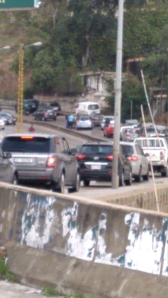 برصاصتين من سلاح كاتم للصوت قتله في سيارته عند جسر الباشا